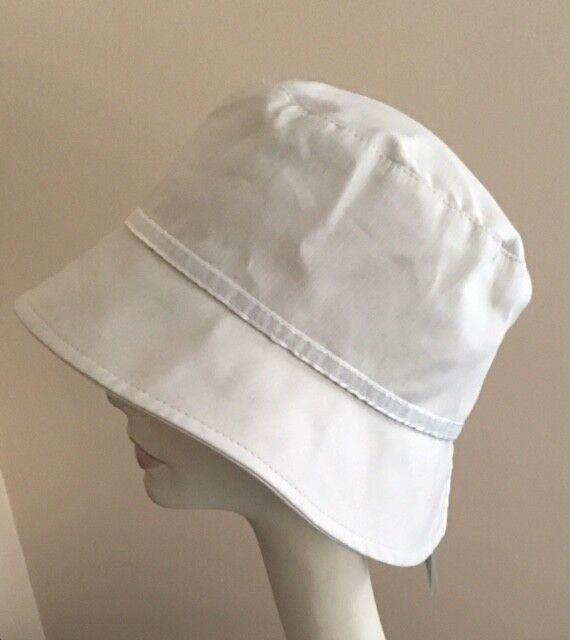 ! nuevo con etiquetas! Betmar Diseñador SPLIT Espalda Cloche Marfil Crudo Tela de algodón ligero