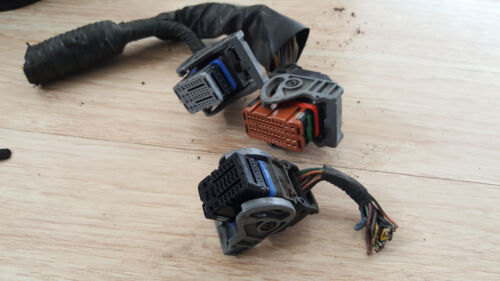 2008-2011 nissan versa ecu electronic control module connector