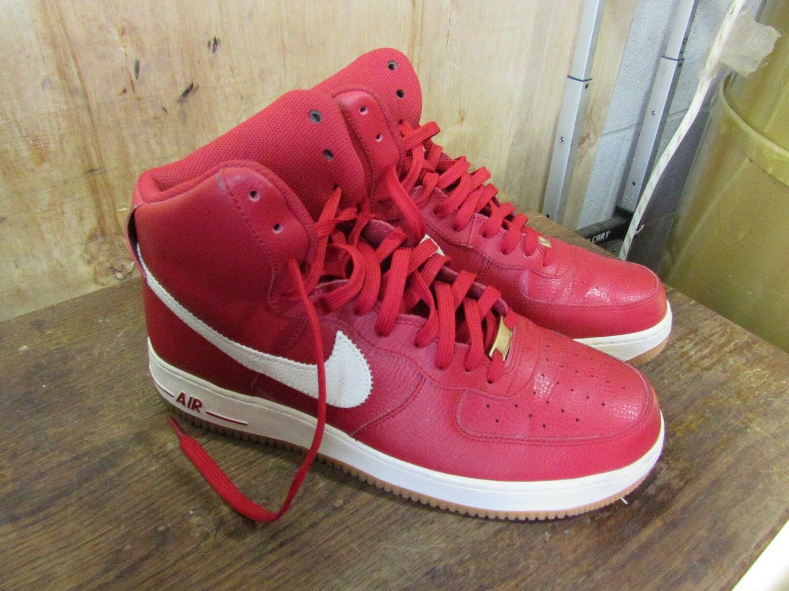 Mens NIKE Air Force Ones Red and White High '07 Size 12 **Very Nice** 315121-605