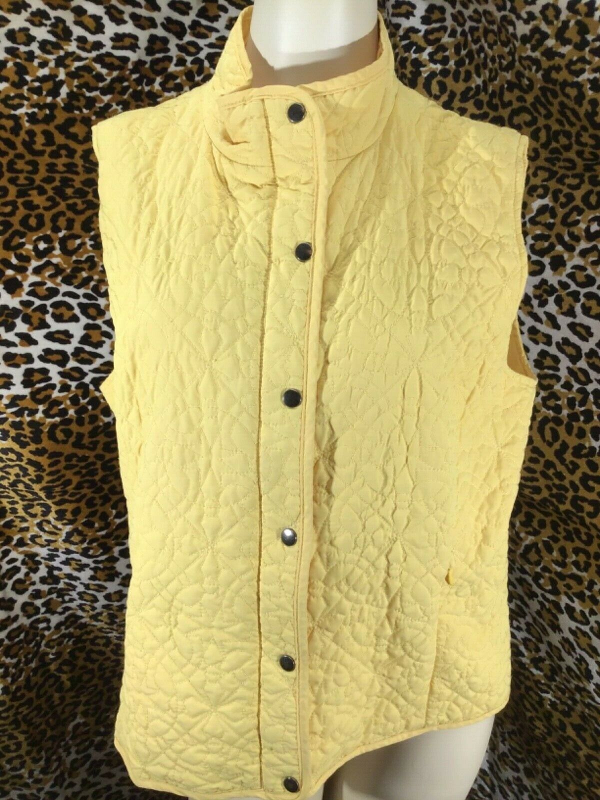 💥 Zenergy by Chico's Quilted Vest Women's Size 2 Yellow Zip & Snap Up 💥