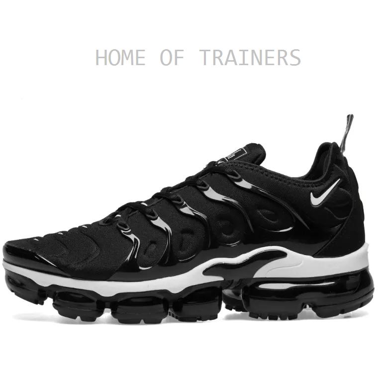 Nike Air Vapormax Plus Nero e Bianco Ragazze Scarpe Da Ginnastica Da Donna Tutte Le Taglie