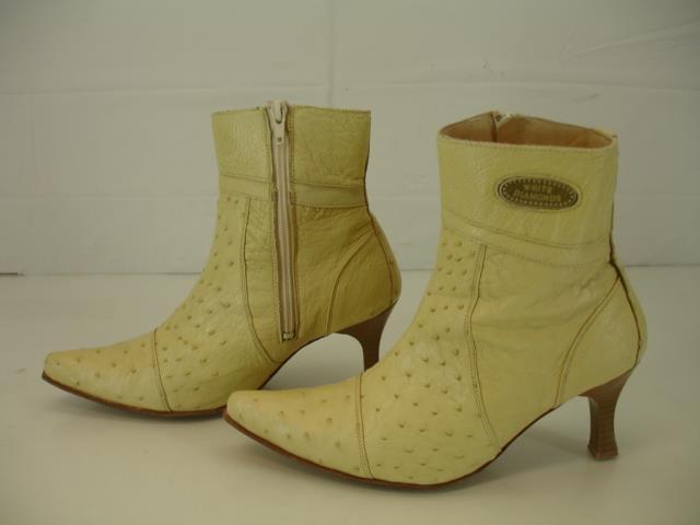 Damenschuhe sz 7 M Diamonds Weiß Diamonds M Cream Ostrich Skin Cowboy Western Stiefel Booties Zip 71e475