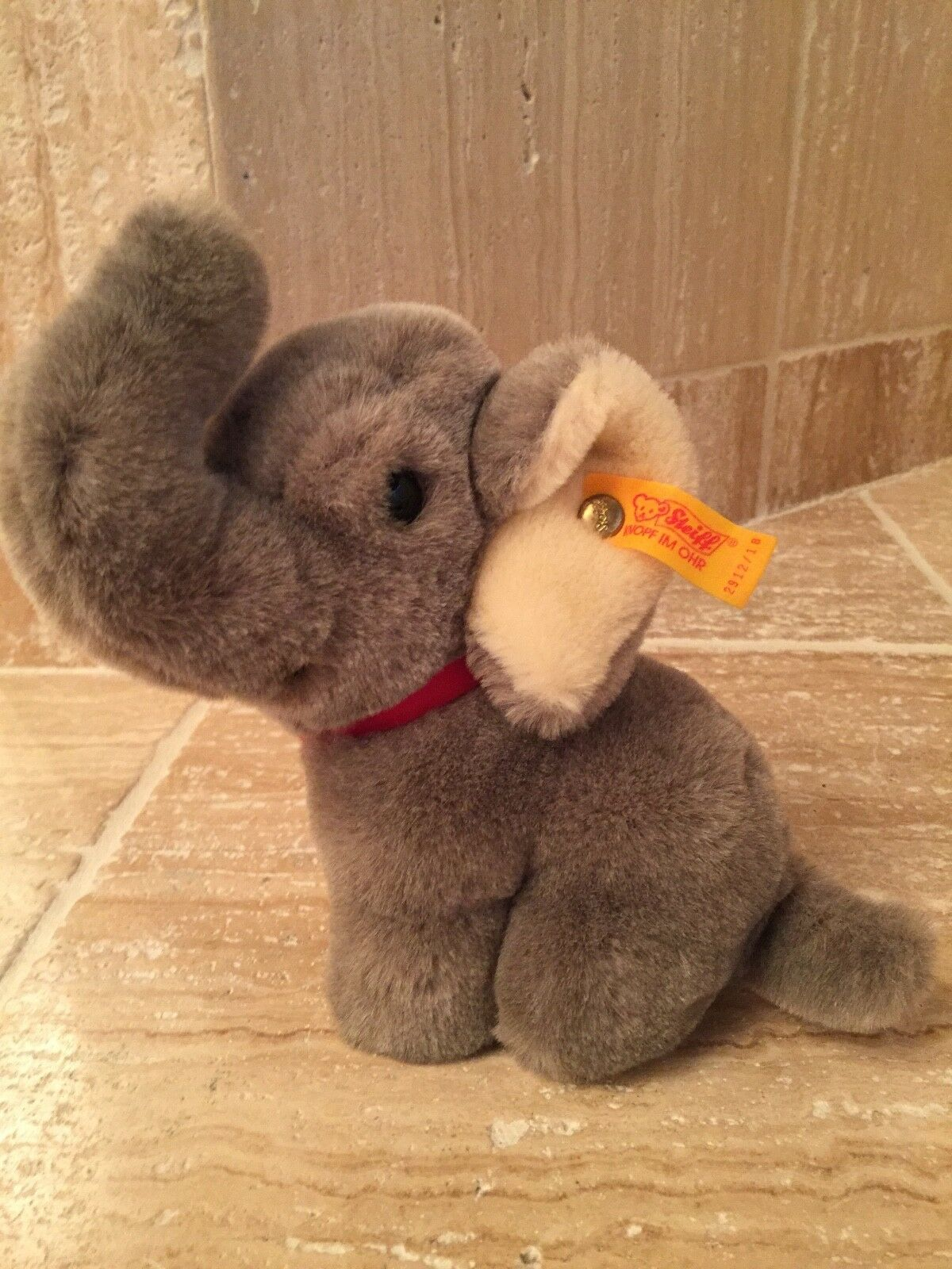 STEIFF SNUFFY THE ELEPHANT - 2912/18 - DISCONTINUED - EXCELLENT CONDITION
