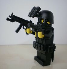no.322 custom swat police helmet military gun army weapons LEGO minifigures