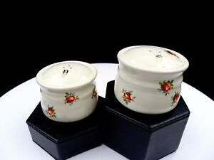 JAPANESE-PORCELAIN-2-PIECE-ROSES-AND-GOLD-MONOGRAMS-2-034-SHAKER-SET