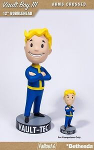 FALLOUT-4-VAULT-BOY-111-ARMS-CROSSED-MEGA-BOBBLEHEAD-12-inches-31-cm-NEW