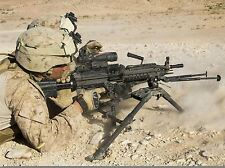 WAR MILITARY ARMY HARDWARE SOLDIER SHOOT DESERT M240B MACHINE GUN POSTER BB3371A