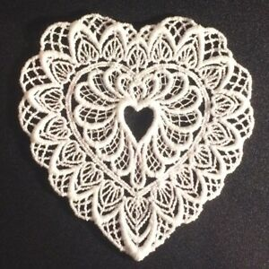 Vintage-Applique-Embroidered-White-Size-3-1-2-034-X-4-034-Heart-Shaped