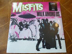 MISFITS-Walk-Among-Us-LP-Vampira-Black-Vinyl-NEU-amp-OVP