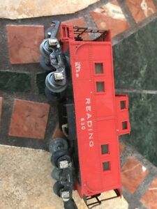 Vintage-American-Flyer-630-Reading-Caboose