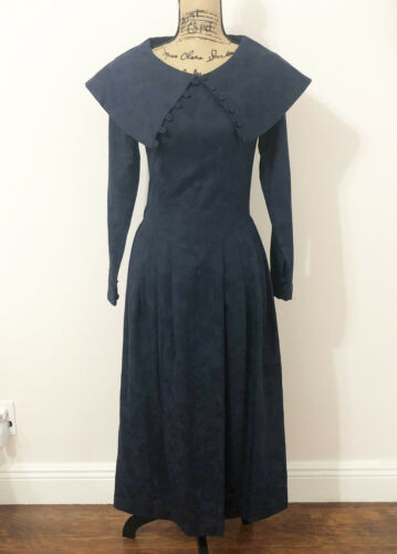 Vintage Laura Ashley Fit-n-Flare Long Sleeve Blue