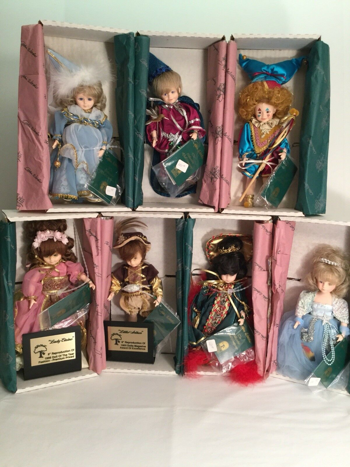 """Robin Woods 1988 """"Camelot Castle Collection""""  7 Doll Set"""