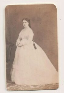 Vintage-CDV-Madame-Serrano-1st-Duchess-of-la-Torre-Grandee-of-Spain-J-Laurent