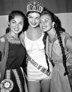 1957-MISS-UNIVERSE-Leona-Gage-b-w-glamour-period-photo
