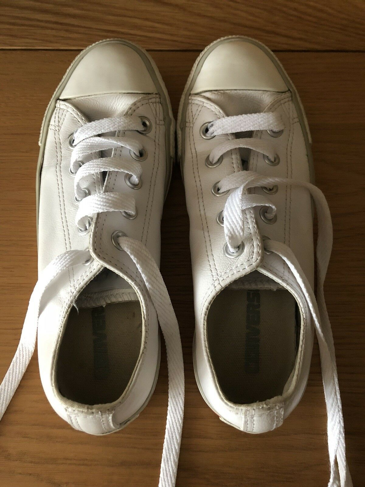 Cuir Blanc Low Top Converse All Star taille 4