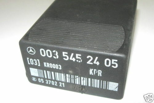 Mercedes-Benz W124 E-Klasse Steuergerät Kraftstoffpumpe A0035452405 A0025455205