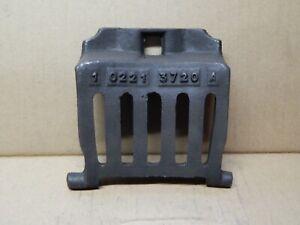 Grille-de-devant-pour-POELE-A-BOIS-GODIN-modele-3720A-Tres-bon-etat