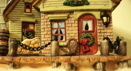 NIB! Santa/'s Workbench FORT AUGUSTUS LIGHTHOUSE