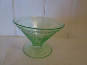 Depression-Green-Glass-Dessert-Sherbet-Glass-Pedestal-Roses-Vine-4-034-Diam-2-3-4-034