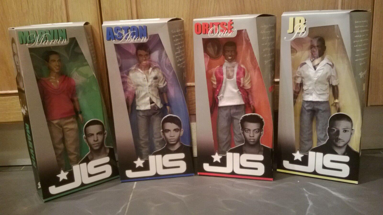 FULL SET of Official First Edition JLS poupées. Aston,  Oritse Marvin & JB. EntièreHommest NEUF dans sa boîte  contre authentique