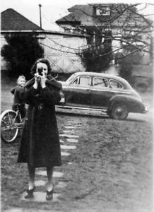 auto Woman with Camera Old Photo