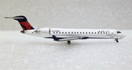 Gemini Jets Delta Connection Bombardier CRJ-700 GJDAL1735 1/400 REG# N708EV. New