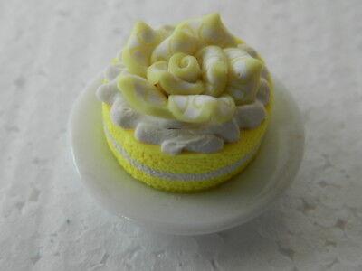 (c1.4) 1/12th Scala Casa Delle Bambole Torta Al Limone Fatto A Mano Su Un Piatto Di Porcellana-mostra Il Titolo Originale
