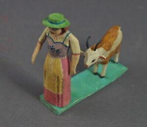 Grulicher-Krippenfigur-Frau-mit-Ziege-7-5-cm-Holz-geschnitzt-11629