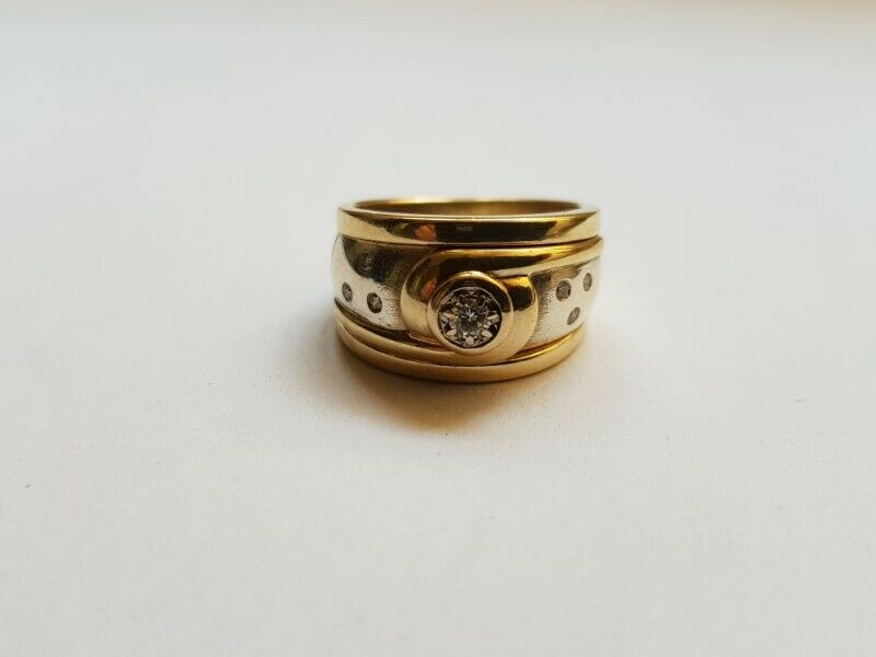 A142 9k Gold Two Tone Diamond Ring