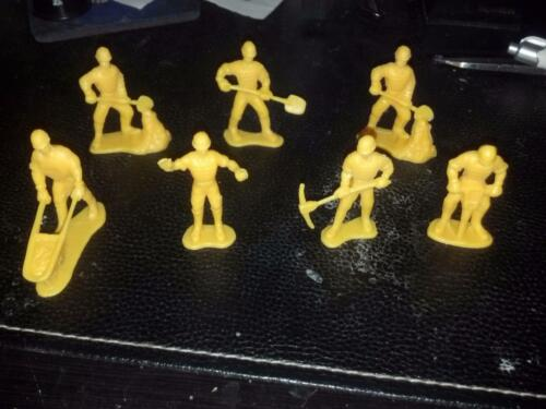 Lot of 7 Construction Workers - Yellow Plastic China