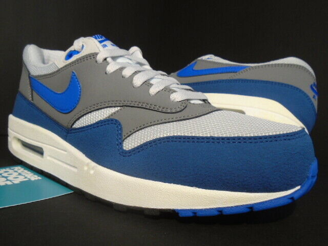 Raccontare Ali gemello  2013 NIKE AIR MAX 1 ESSENTIAL EUROPE GEYSER GREY PRIZE BLUE ATMOS  537383-040 9 for sale online