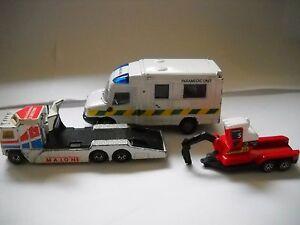 Mixed-Bunch-9-DieCast-Vehicles-Ambulance-Transporter-Tractor-Rescue