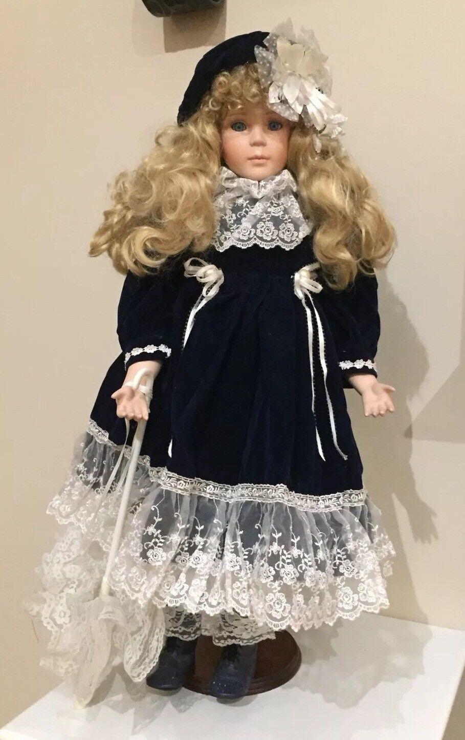Ttutti Porcelain  bambola Vintage with umbrella e ste 28  ttutti Collectors edizione  profitto zero