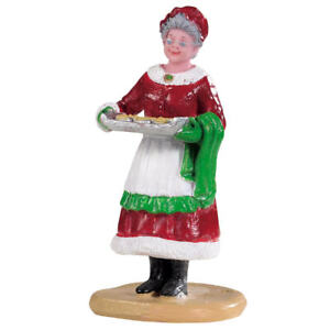 Lemax Christmas Village Grandma Mrs. Claus with Tray Fresh Baked Cookies
