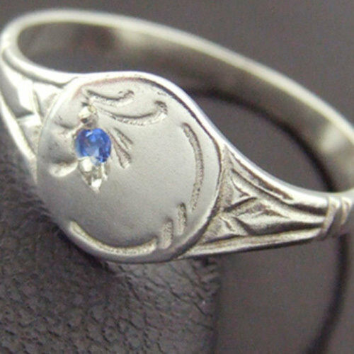 Ring 925 Solid Sterling Silver Sapphire Engraved Signet Celtic Design Size J