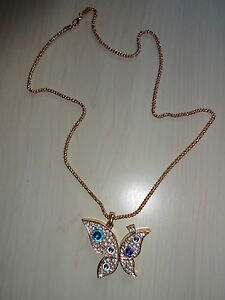 GOLD-NECKLACE-WITH-RHINSTONES-BUTTERFLY-PENDANT-BRAND-NEW