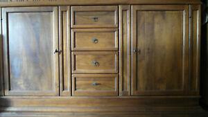 Dettagli su Sala Le Fablier: Credenza, tavolo, sedie, cristalliera
