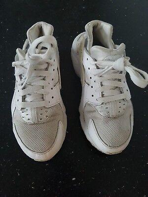Nike Air Huarache Run Triple Blanco, Mujer Talla 4 por favor, consulte la descripción