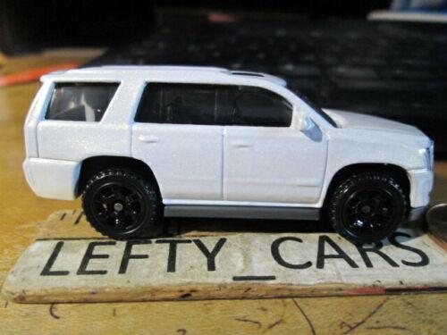Loose! MATCHBOX 2015 Pearl metallic White CADILLAC ESCALADE SUV SCALE 1//64
