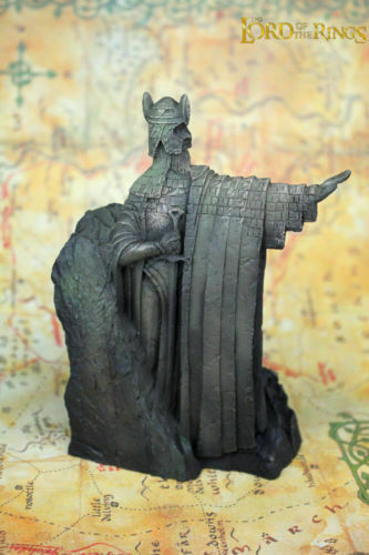 The Lord of the Rings The Gates of Gondor Argonath Pair Bookends Resin.