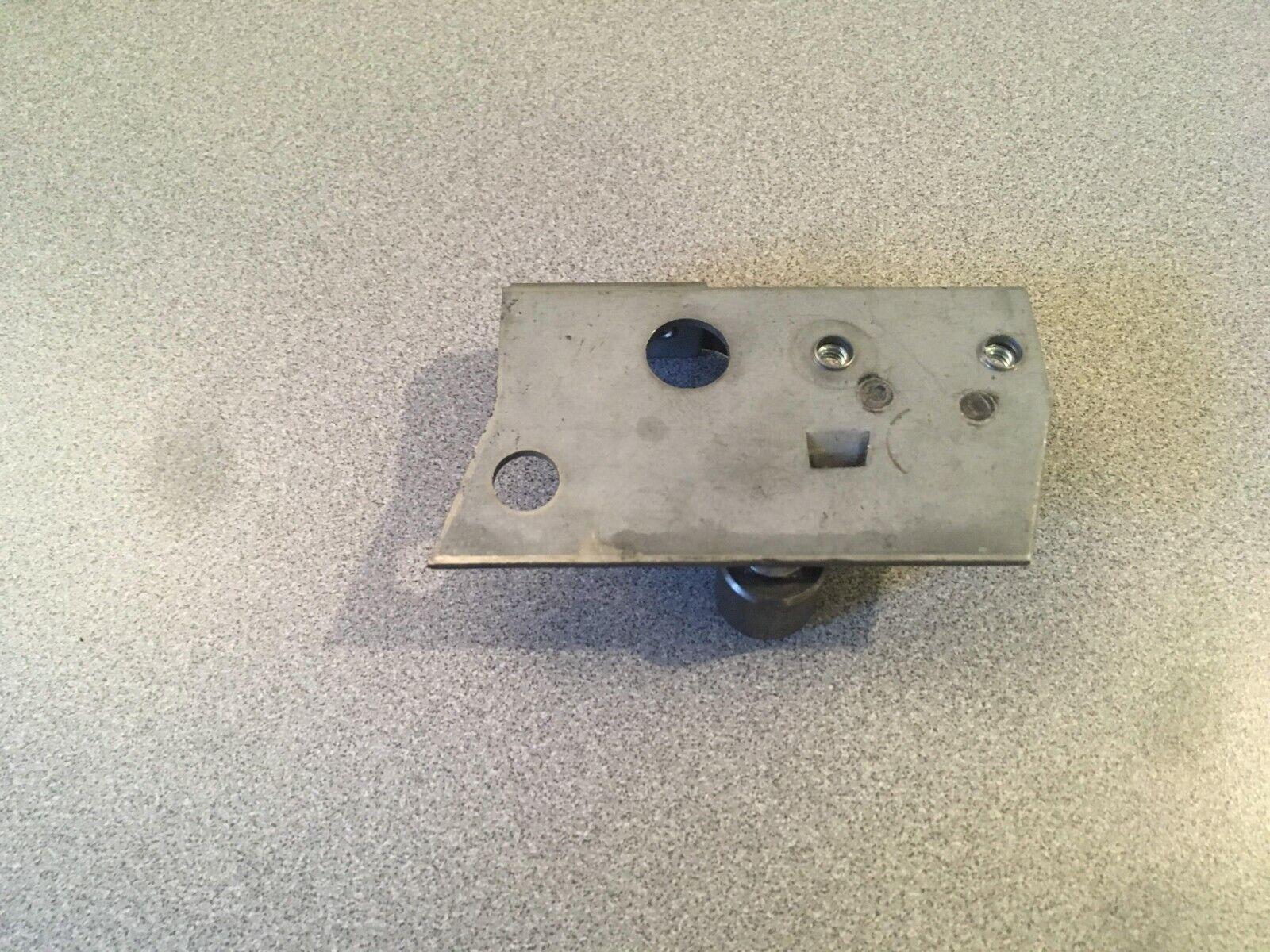 00485346 Thermador Oven Door Hinge Roller Left 14-11-607