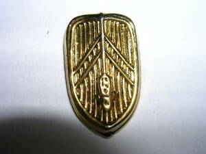 PIN-039-S-VOITURES-CITROEN-CALANDRE-TRACTION-DOREE