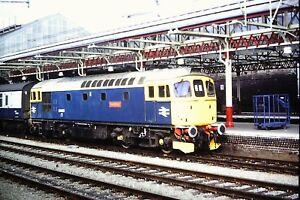 1-119-Class-33-33008-Eastleigh-Diesel-loco-Passenger-Train-Kodachrome-Slide