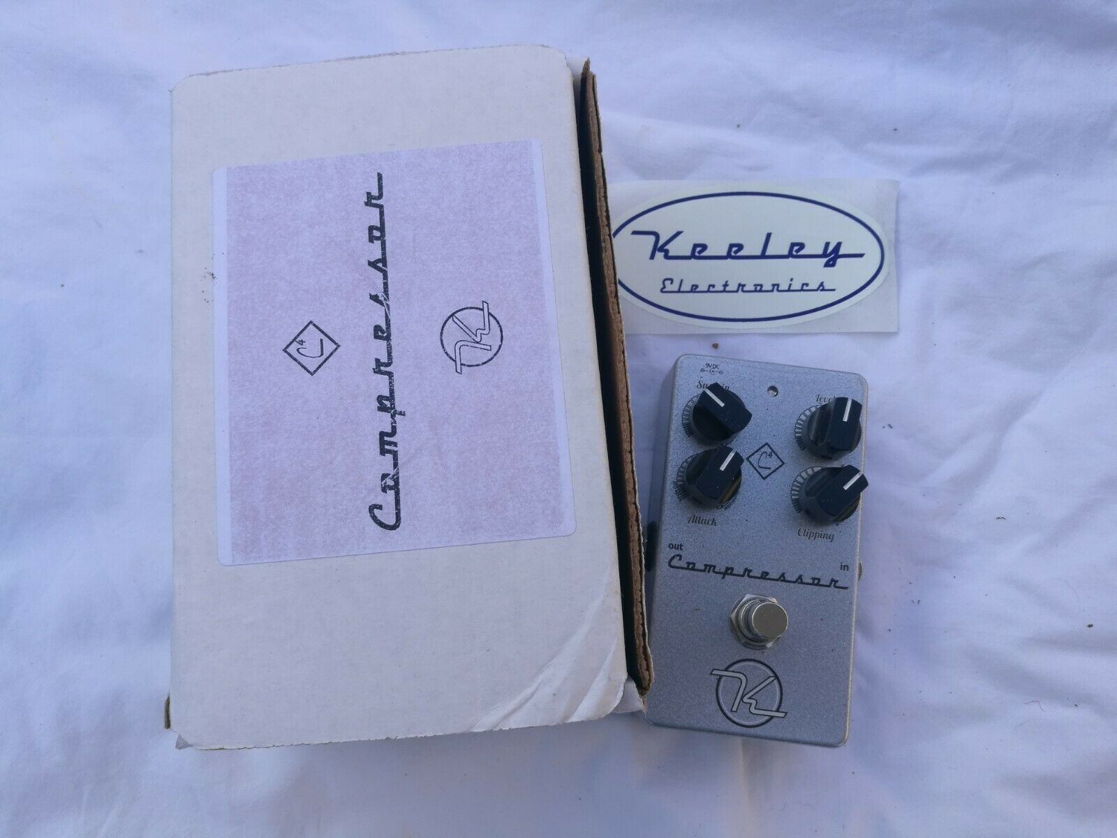 KEELEY C4 4 KNOB COMRESSOR - FREE NEXT DAY DELIVERY IN THE UK