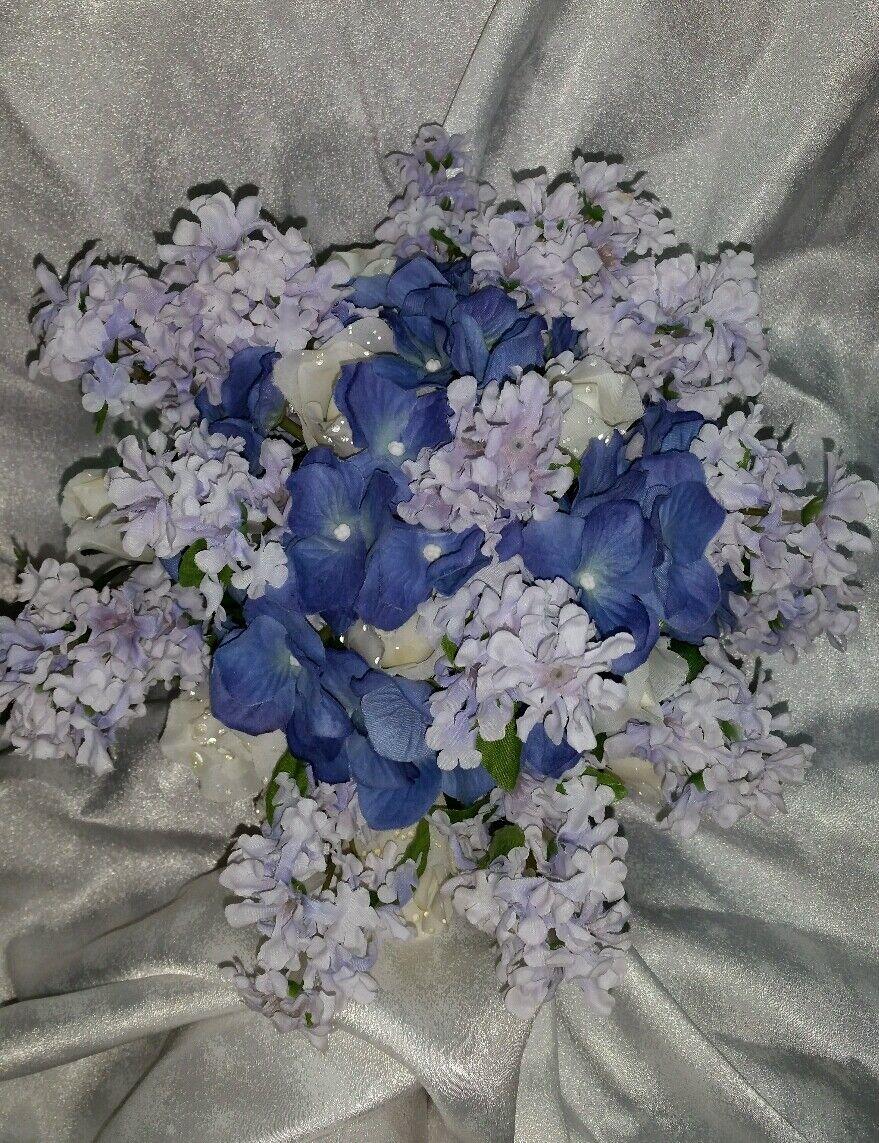 Perriwinkle Bleu violets Mariage Fleurs 24pc Set. HAND-Tied Bouquet