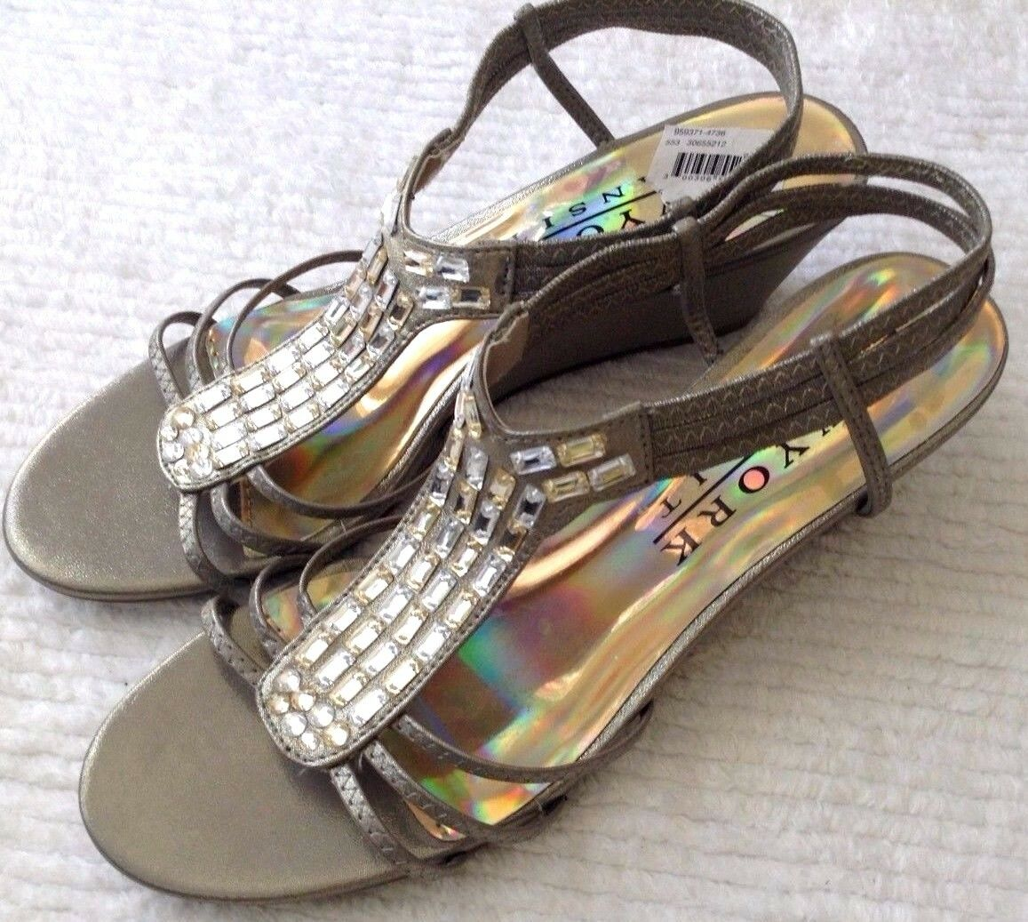 Women's 8.5 M  York Strapy Gold Shoes New York  Transit 2.5