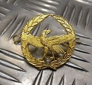 Genuine-Military-Issue-Eagle-Span-Laurel-Leaf-Insignia-Metal-Hat-Badge-NEW