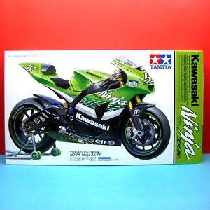 Tamiya-1-12-Kawasaki-Ninja-ZX-RR-1-12-Motorcycle-Series-model-kit-14109