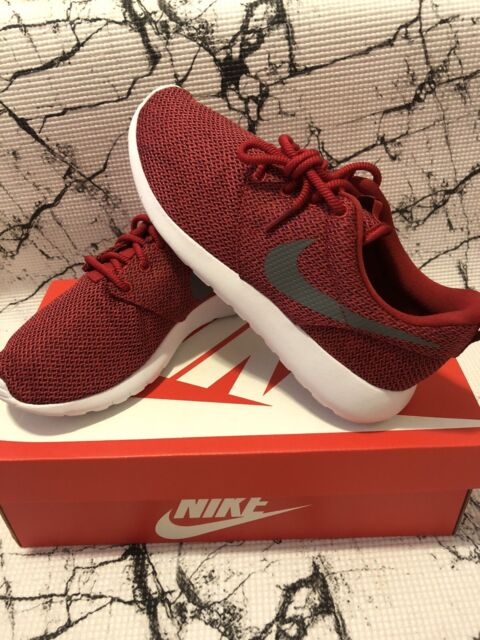 Grade School Kids Gray//Red Athletic Shoes GS 599728-035 Nike Roshe One