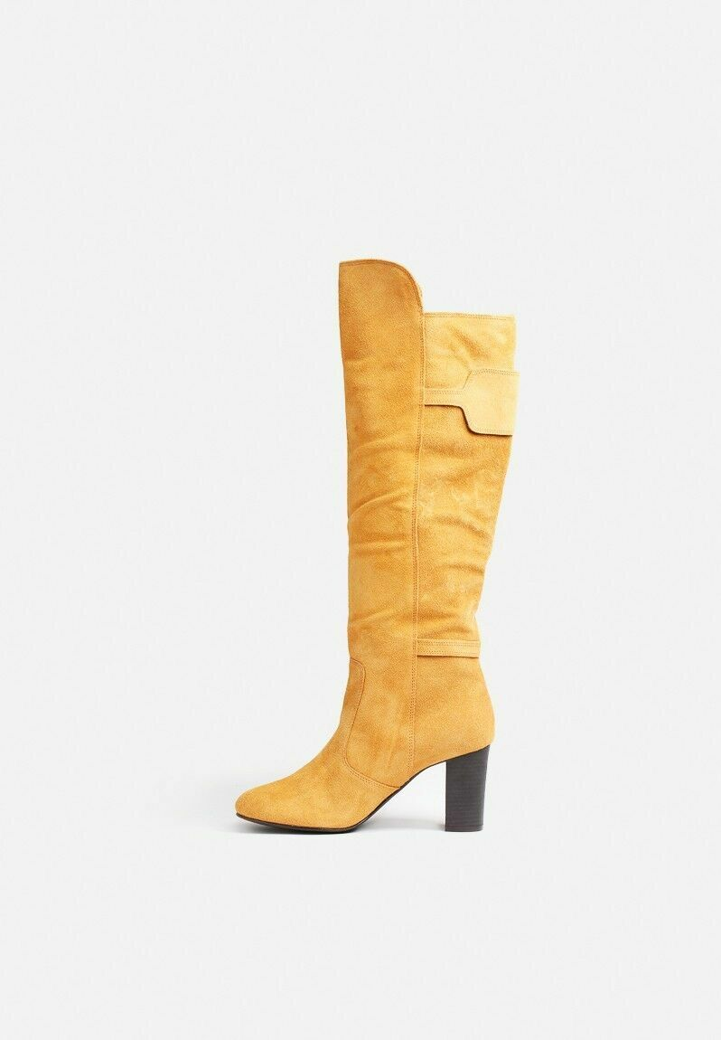 VERO MODA KELLY LEATHER LEATHER LEATHER BOOTS. COLOUR IS COGNAC. VARIOUS SIZES . COST 930348